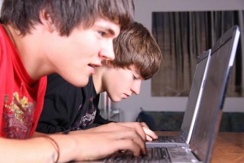 Jugendlicher_Onlinesucht